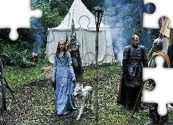Gra o tron, Game of Thrones, Sansa Stark, Sophie Turner, Rycerze, Pies, Aktorka