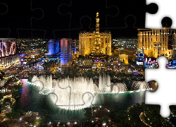 Stany Zjednoczone, Stan Nevada, Las Vegas, Noc, Fontanny Fountains of Bellagio, Hotel Paris Las Vegas Hotel & Casino