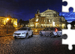 Volvo S60 Cross Country i V60 Cross Country, Drezno, Opera Semperoper, Noc